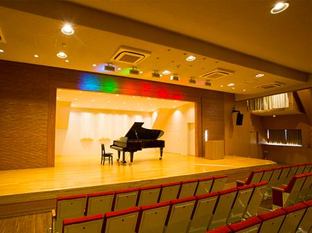 大阪成蹊学園(図書館7階ホール)